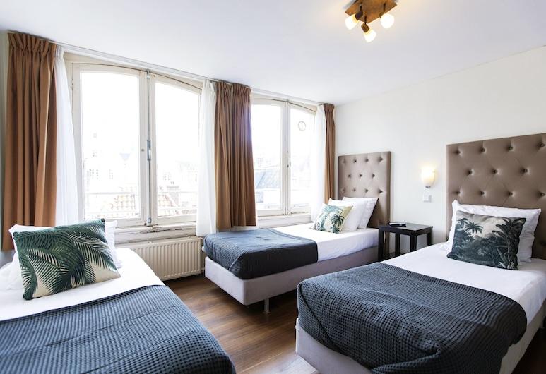 Quentin Arrive, Amsterdam, Standard-Dreibettzimmer, 3Einzelbetten, eigenes Bad (some rooms situated in the basement), Zimmer