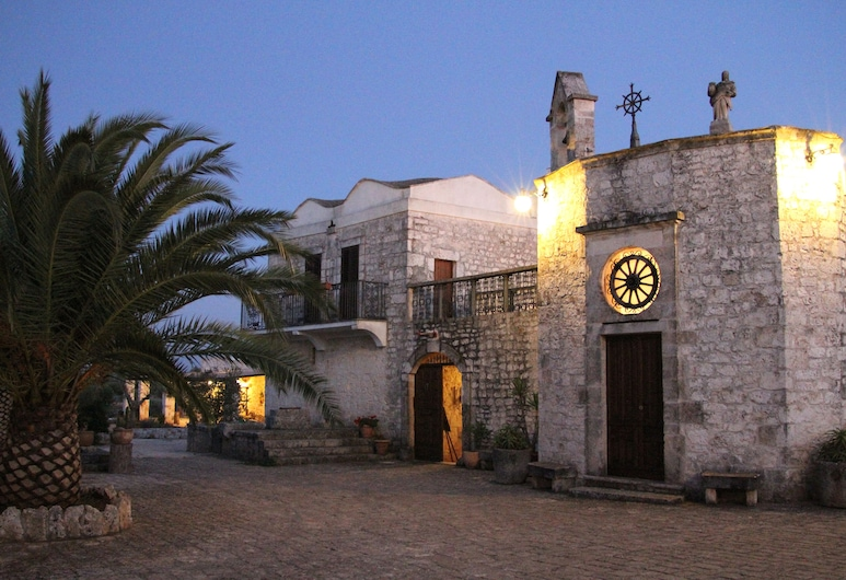 Masseria Tolla, אוסטוני, חזית המלון