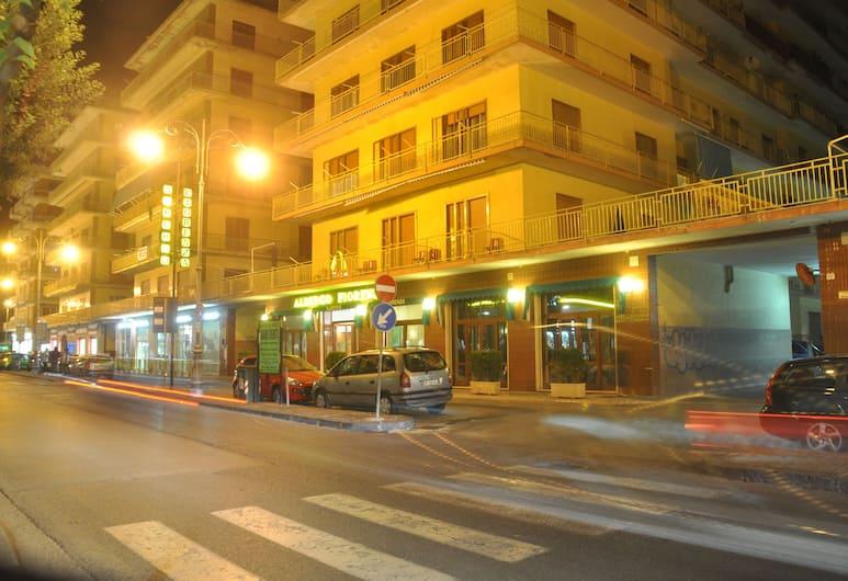 호텔 피오렌자, 살레르노, 호텔 정면 - 저녁/밤