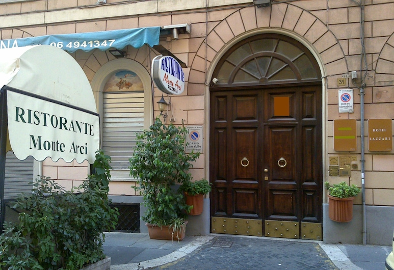 拉紮里酒店, 羅馬