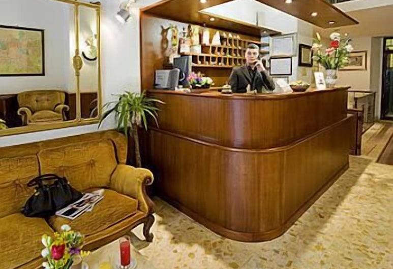 Hotel Altavilla, Rome, Lobby