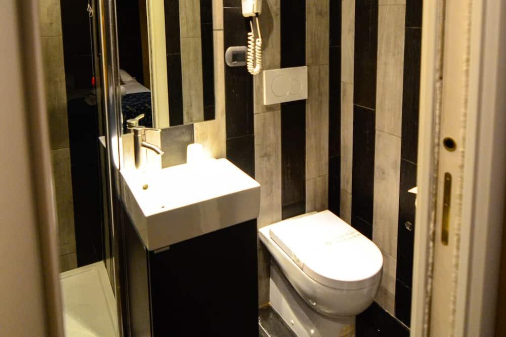Comfort driepersoonskamer, privébadkamer - Badkamer