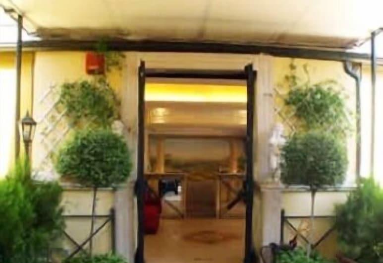納爾迪斯美洲酒店, 羅馬, 酒店入口