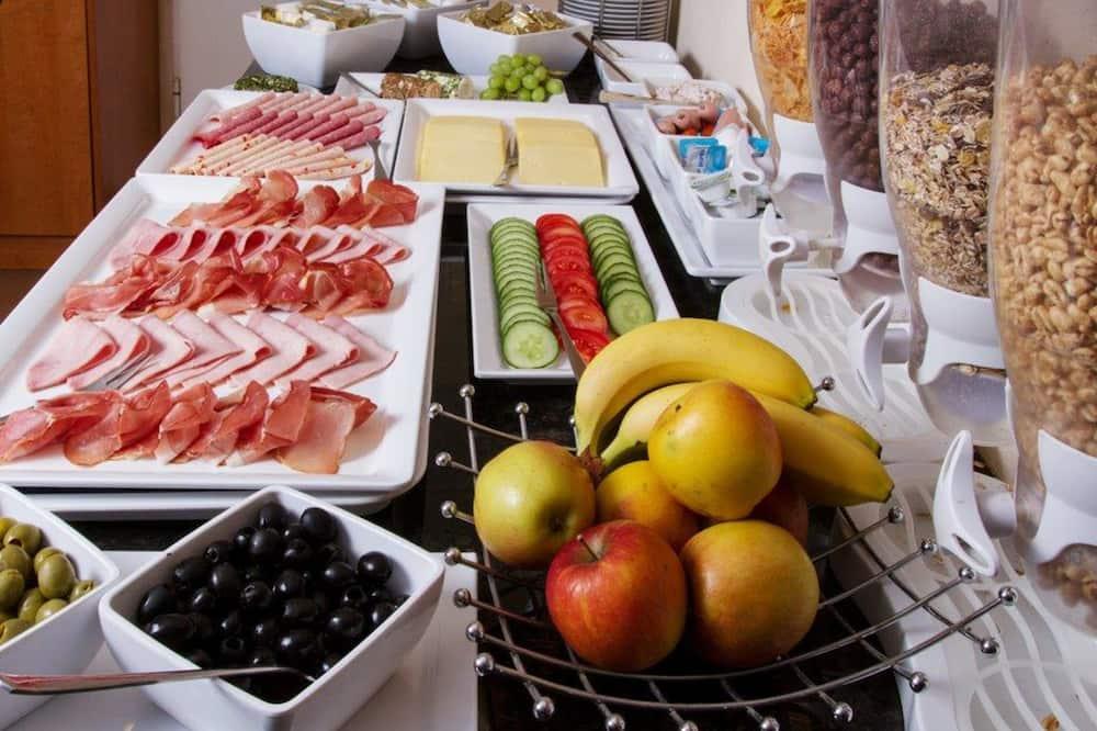 Hommikusöök Rootsi lauas