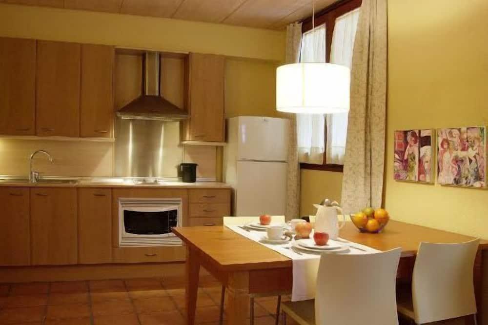 Стандартные апартаменты, 1 спальня (2 people) - Обед в номере