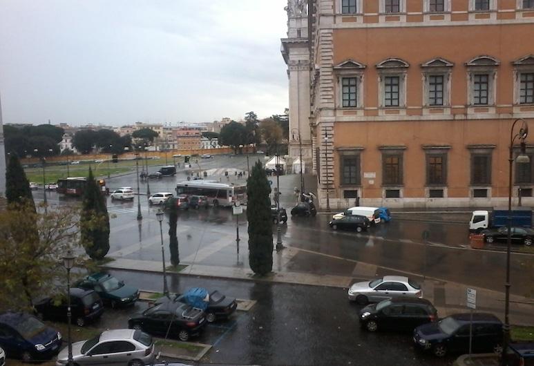 Happy Holiday, Roma