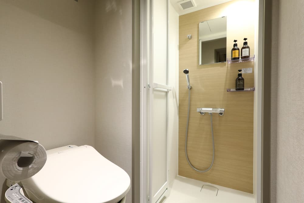 (Reovated) Multi Twin Room (11sqm,90cmBed x 2), Non Smoking - Bathroom Shower