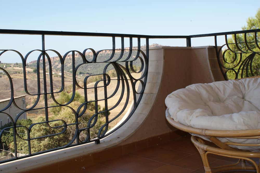 Triple Room with Terrace, Countryside View - Balcony