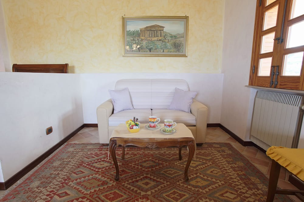 Junior Suite, Terrace, Valley View - Living Area
