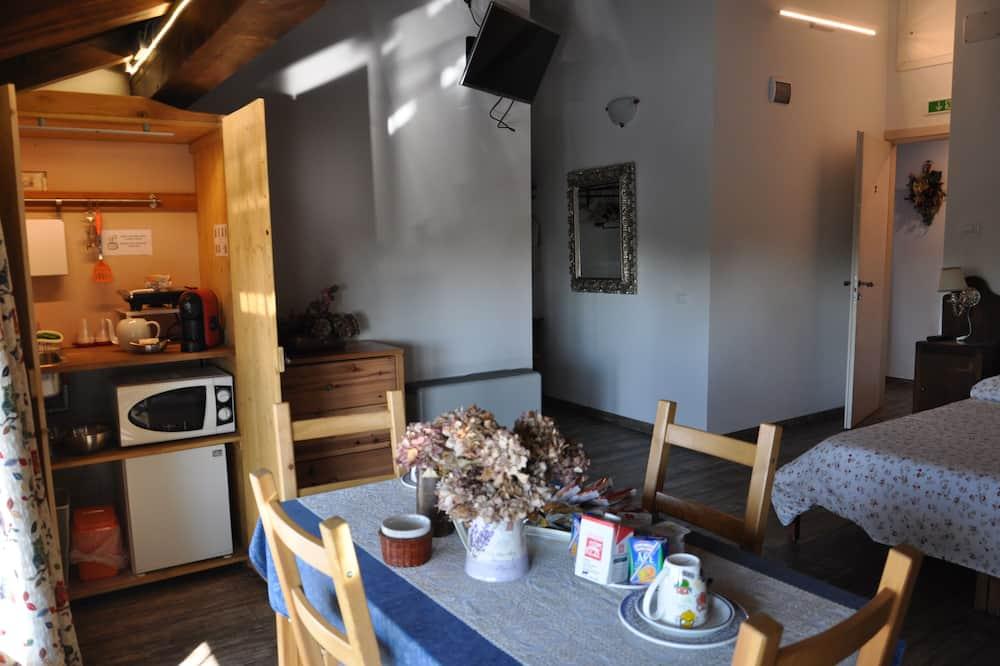 Perhehuone, Tupakointi kielletty (Self-service Breakfast in room) - Ruokailu omassa huoneessa