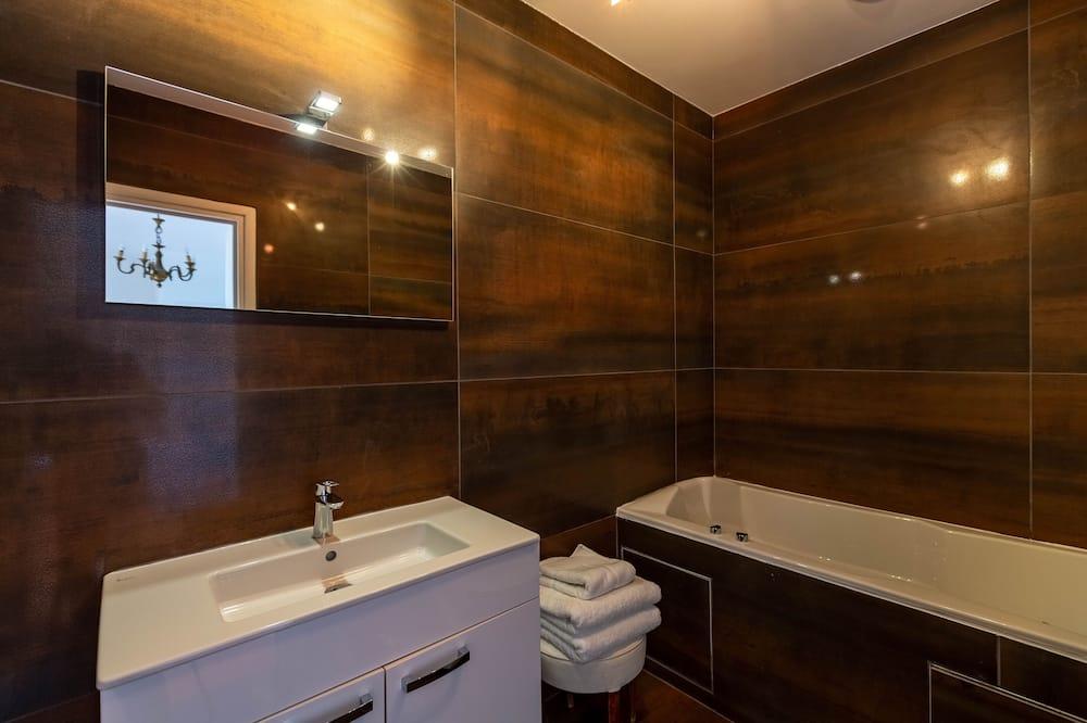 Chambre Double, bain à remous, vue mer, avec spa (Ciel and Mer) - 浴室