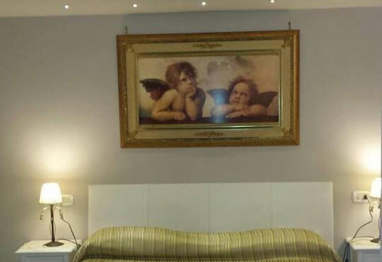 內圖諾住宅 B&B 旅館, 那不勒斯, 三人房, 客房