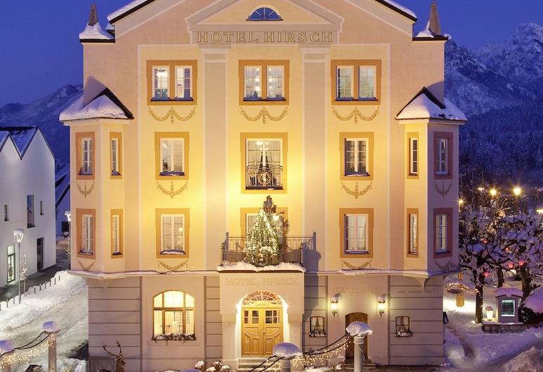 Hotel Hirsch, Füssen, Hotellets facade - aften/nat