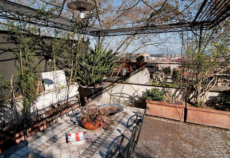 Il Boom, Roma, Terasa / vidinis kiemas
