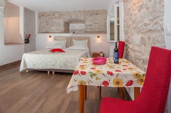 Picture of Garden Apartment Hotel in Split