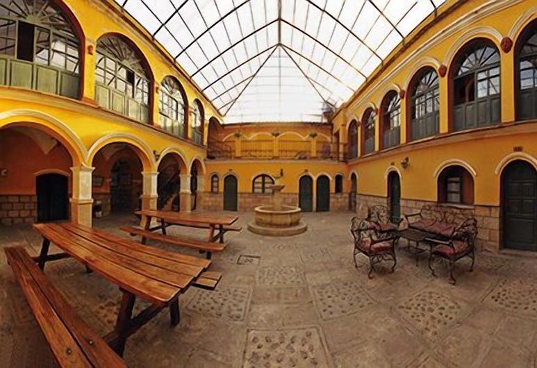 Hostal La Casona, Potosi, Avlu