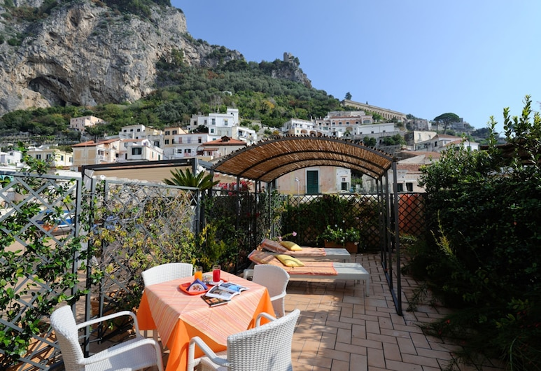 Sharon House, Amalfi