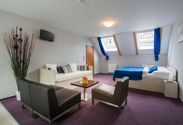 Hotel Adeba, Praha, Štvorlôžková izba, Hosťovská izba
