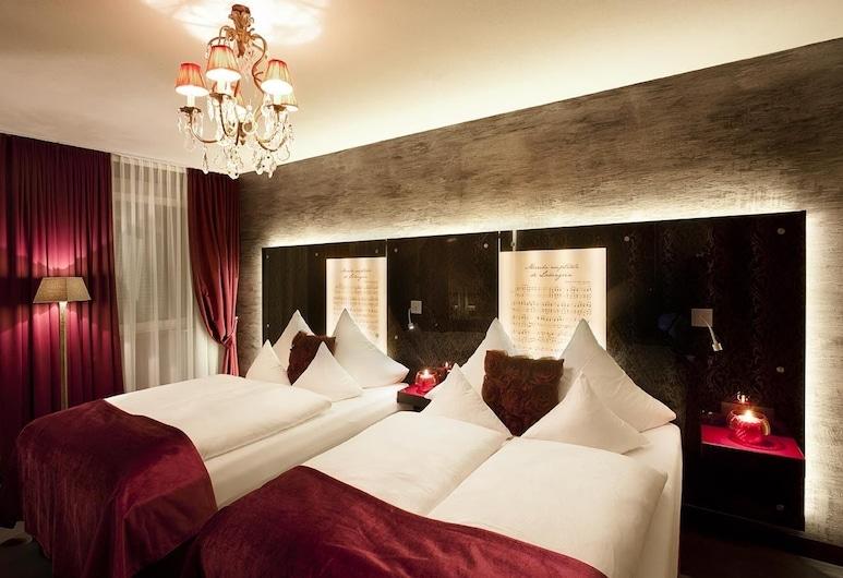 Hotel Sonne, Fuessen, Medium Quadruple Room Motto, Guest Room