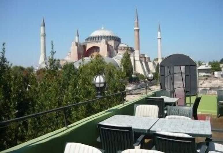 Med Cezir Hotel, Istanbul, Ristorazione all'aperto