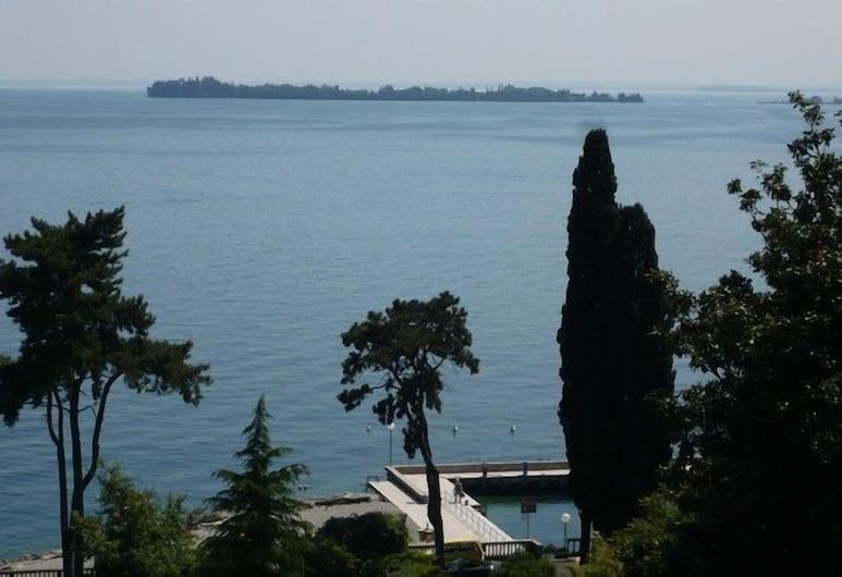 Bellevue, Gardone Riviera, Vaizdas į paplūdimį / vandenyną