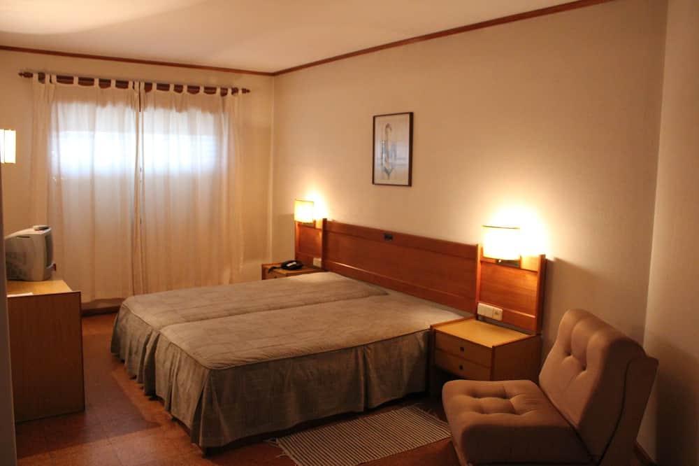 Pokój z 2 pojedynczymi łóżkami - Pokój