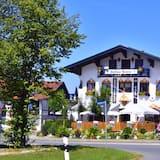Hotel Gasthaus Café Bavaria, Inzell