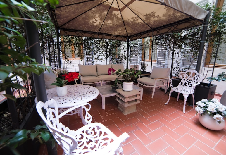 Maxim Axial, Florence, Terrace/Patio