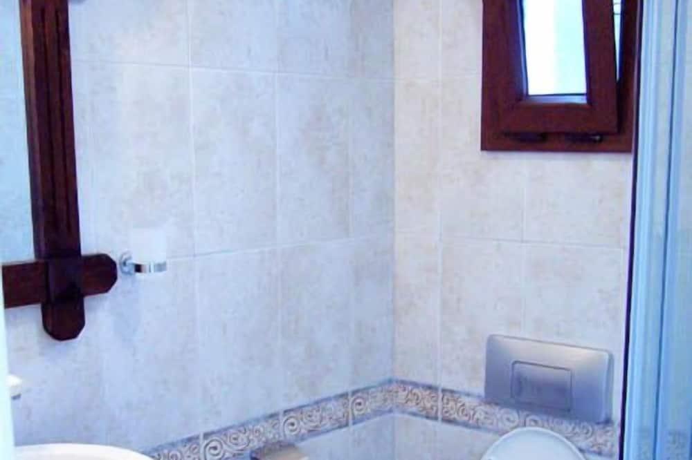 Comfort Triple Room, Sea View - Bathroom