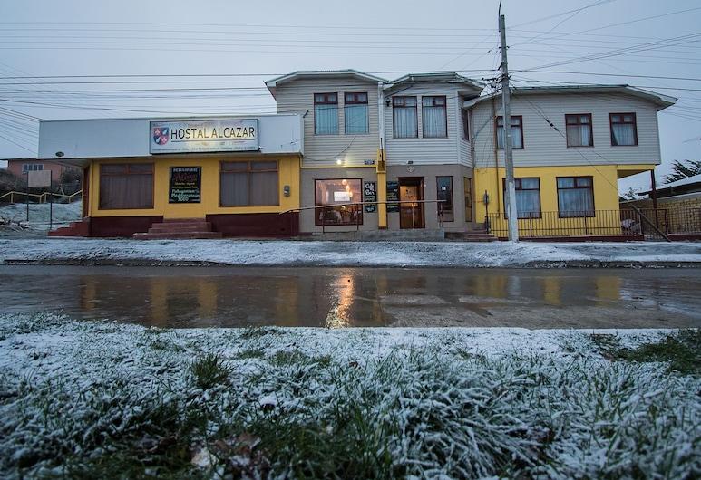 Hostal Alcazar, Natales, Hotellets facade