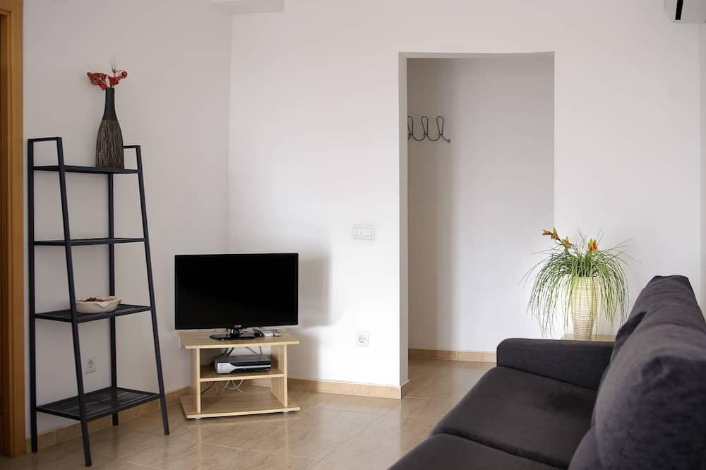 Standard Apartment - Bilik Tamu