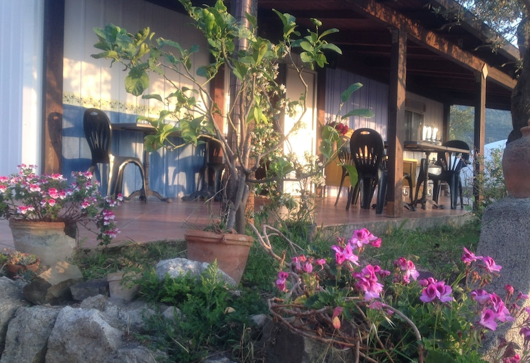 西西里花园酒店, 圣阿加塔米利泰洛