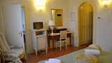 Reserve this hotel in Santa Maria a Monte, Italy
