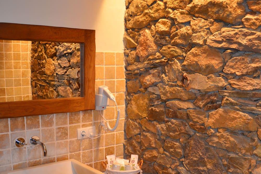 Junior Double Room - Bathroom