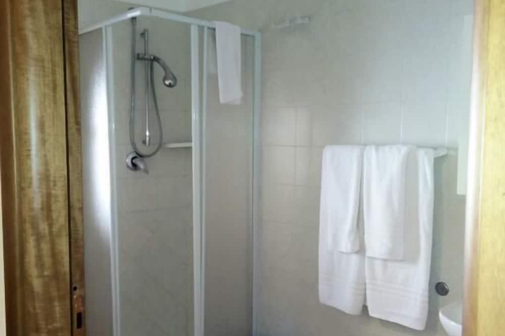Chambre Double, dans les dépendances - Salle de bain