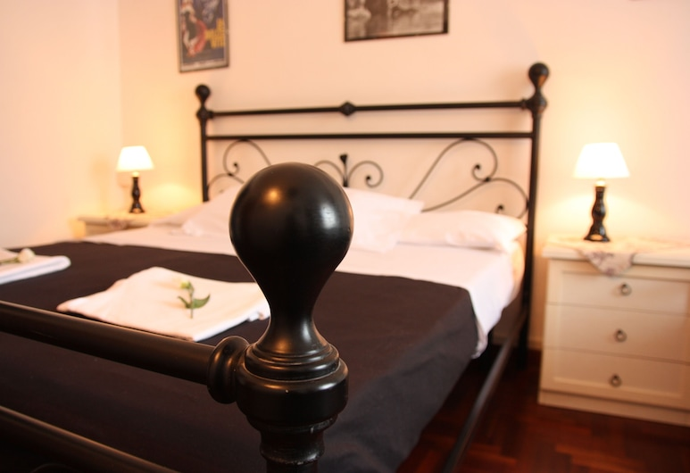Ancient Romance, Rome, Triple Room, Guest Room