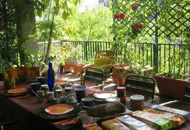 B&B Bio, Rome, Outdoor Dining