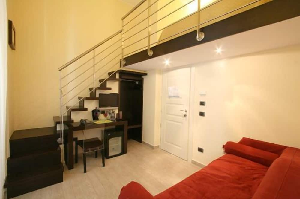 Phòng đôi tiện nghi đơn giản, Ban công, Quang cảnh thành phố - Khu phòng khách
