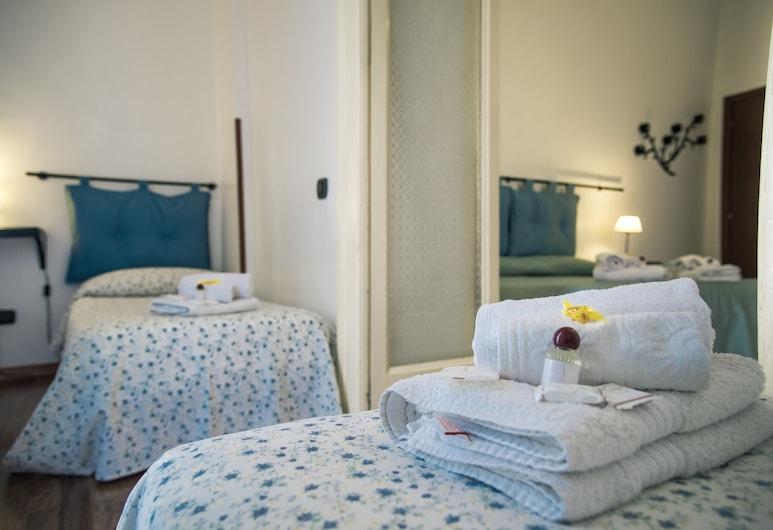 Napolibed, Naples, Quad Room, Guest Room