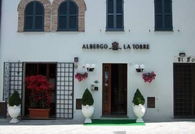 La Torre, Castiglione del Lago, Pročelje hotela