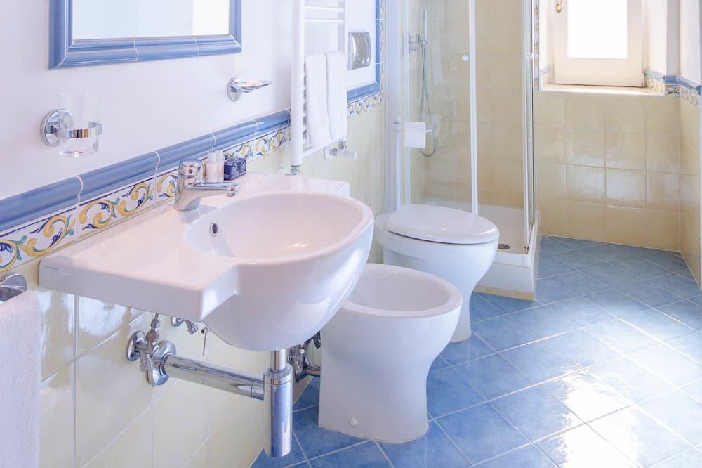 Panoramic-Doppelzimmer, Meerblick - Badezimmer