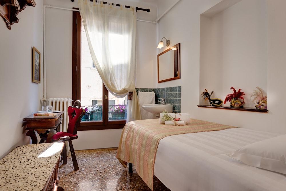 Hotel San Samuele, Venice