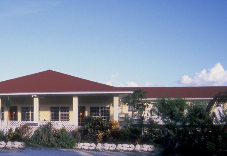 Surfers Manor, Gregory Town, Hotelfassade