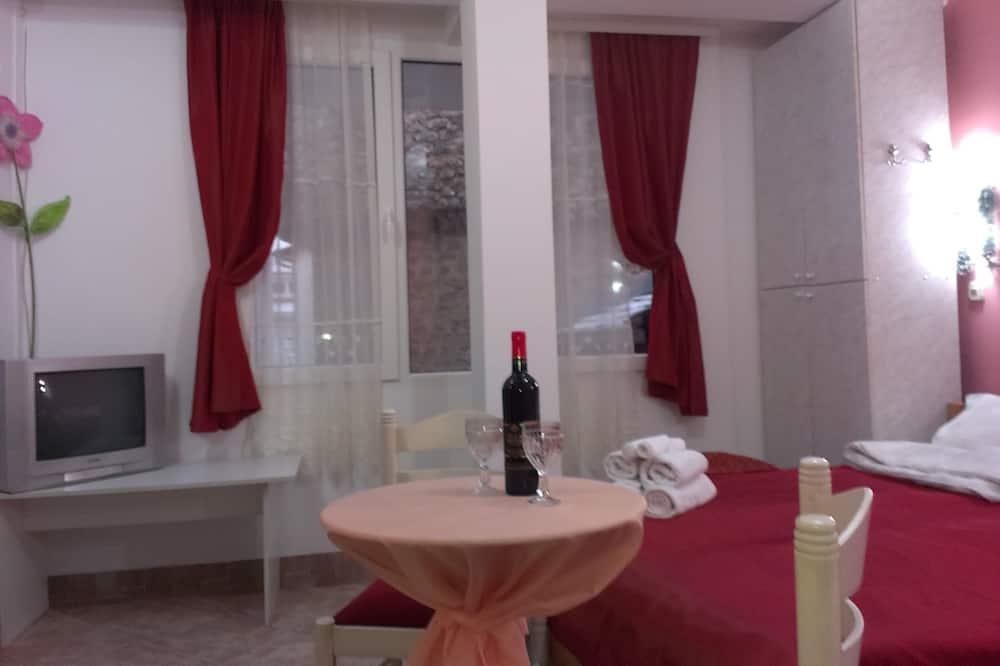 Apartment for 3 people - 客廳