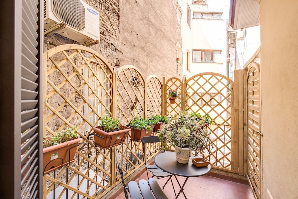 Book Residenza San Calisto in Rome   Hotels.com on