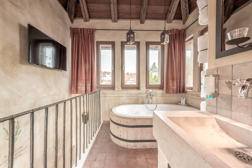 Theme Room - Bathroom