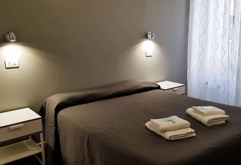Piumith, Rome, Double Room (private external bathroom), Guest Room