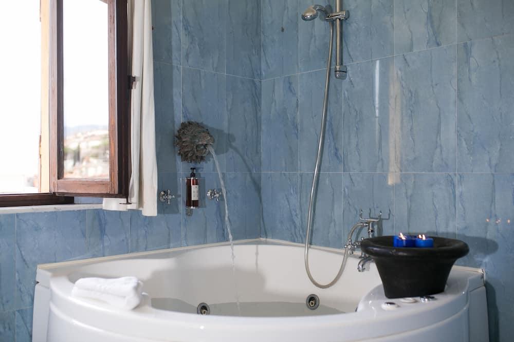 Superior Suite - Indoor Spa Tub