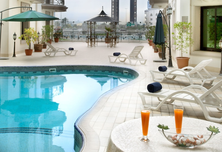 Al Waleed Palace Hotel Apartments Oud Metha, Dubai, Outdoor Pool