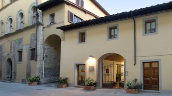 Enter your dates to get the Prato hotel deal